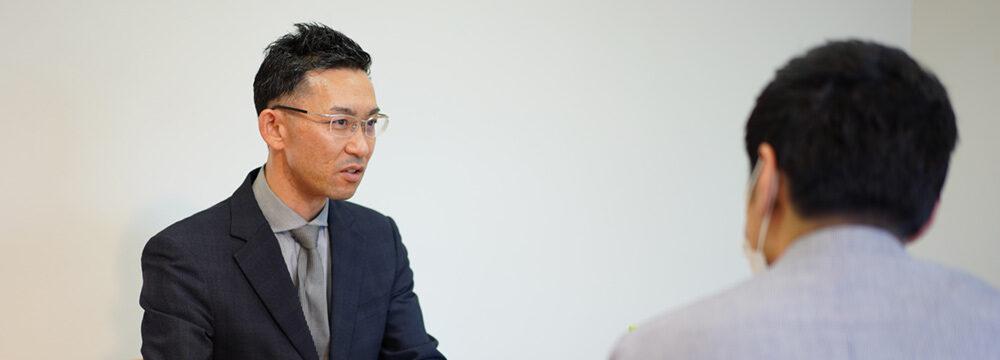 セムコ株式会社代表取締役の宗田謙一朗さんとのインタビュー風景