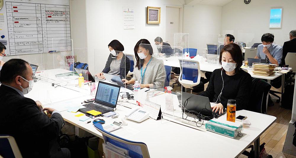 銀座メゾン店の地下に社員の方が勤めるフロアがあります。