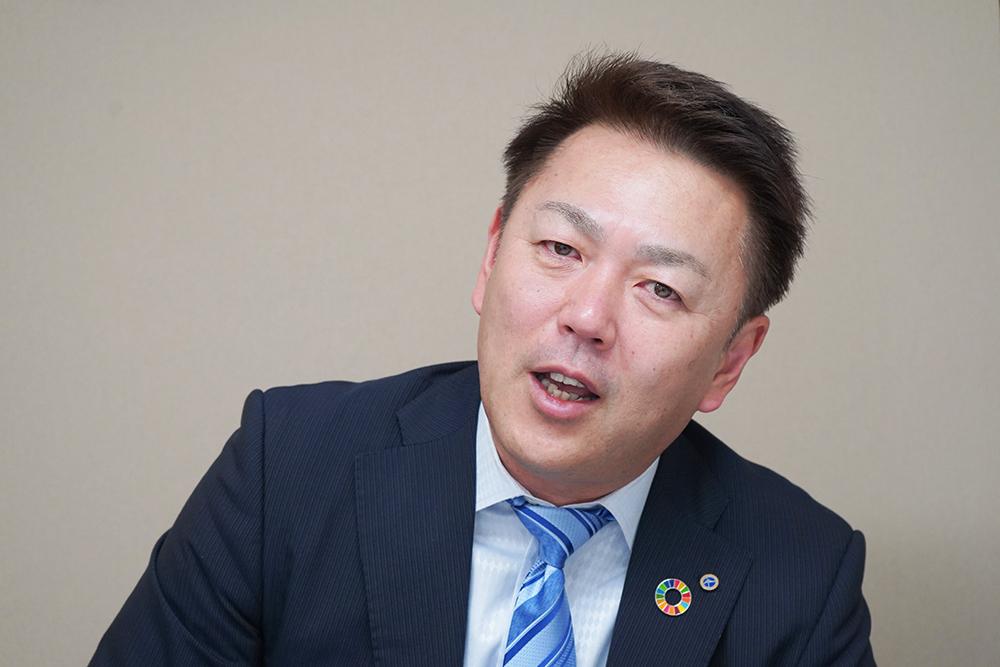 大塚実業株式会社大塚社長のインタビューカット