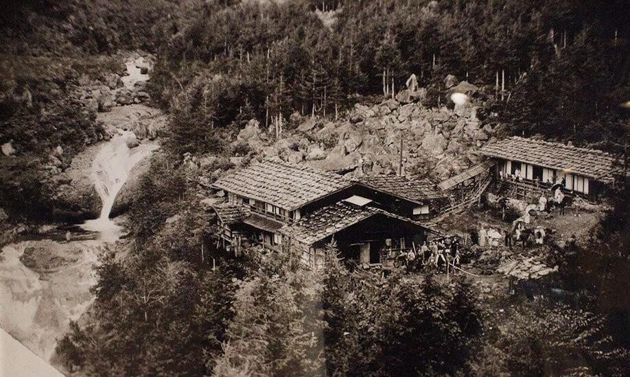 開業当時の明治温泉