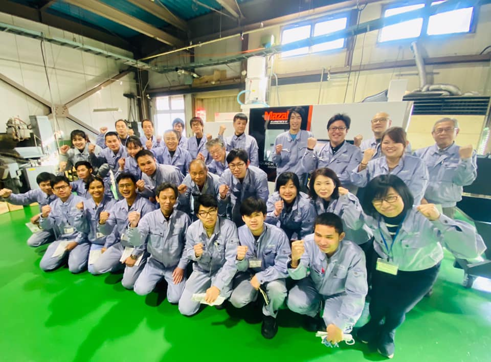 茂呂製作所の社員の皆さま(集合写真)