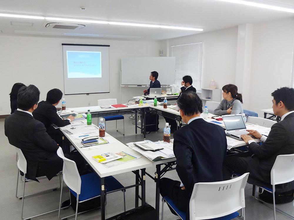 中期経営計画策定や経営勉強会の開催風景