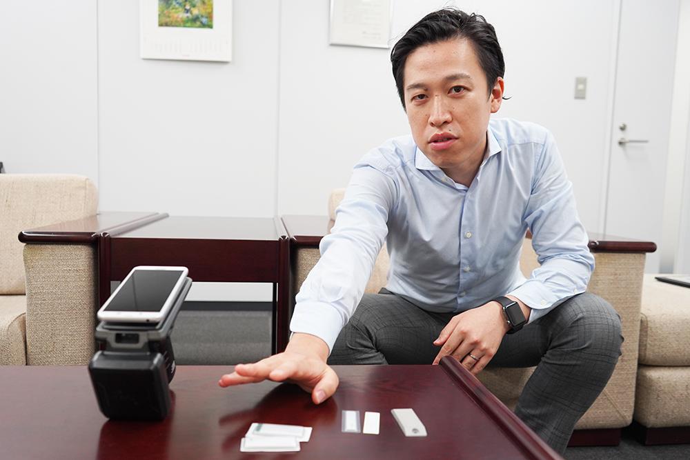 株式会社光アルファクス東日本システム営業部 東京営業グループ主任 齋藤大輝さんのインタビュー風景