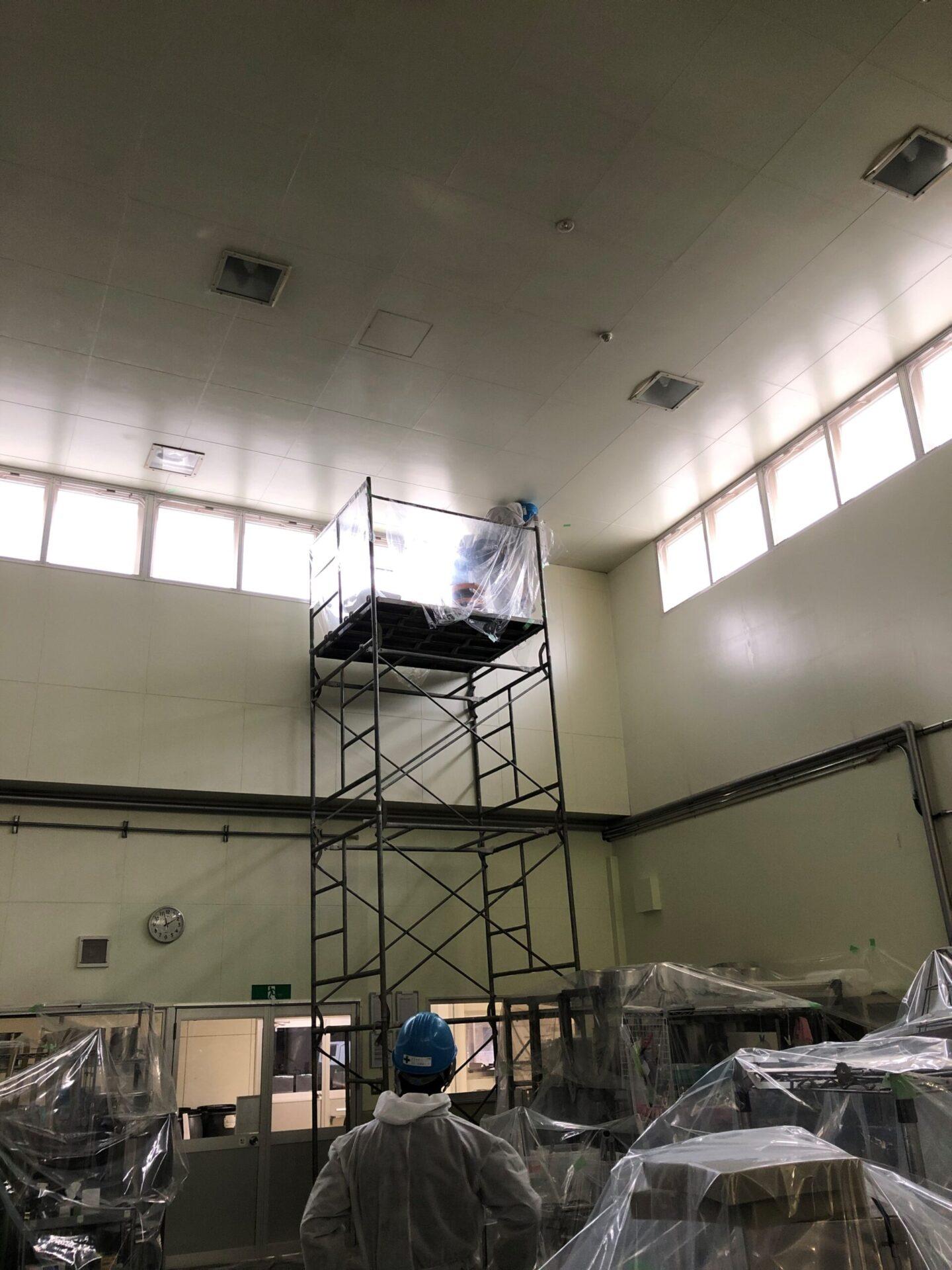 施設や工場の照明交換工事の事例